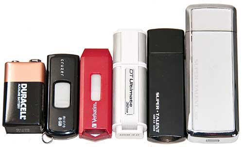 Data Traveler Ultimate 3.0 flash drive in the middle with Super Talent Express 3.0 and SuperCrypt on the right.